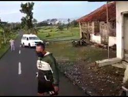 Takut Tertular, Warga Usir dan Lempari Ambulan Yang membawa jenazah korban virus corona