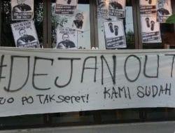 Ratusan Suporter PSS Sleman Serbu Omah, Serukan Dejan Out